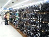 20130219_161642_Lihue_Walmart_slippers