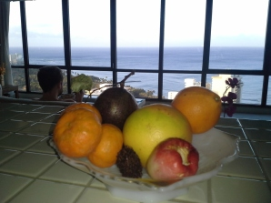 20130302_071903_Waikiki_fruit_bowl